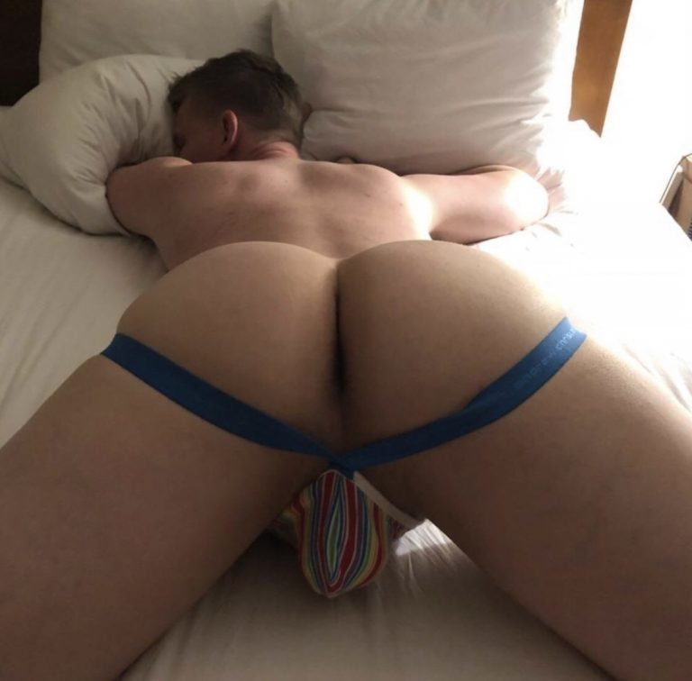 SM from a chat room sent this and my cock jumped!! Perfect, jock framed, ass needs attention from daddy!