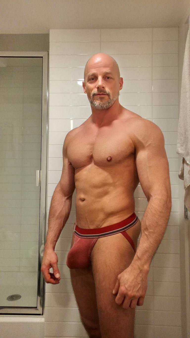 Since dad shaved his head, he's been working on his body transformation. After seeing him in his jock, i went & jerked off in his room.